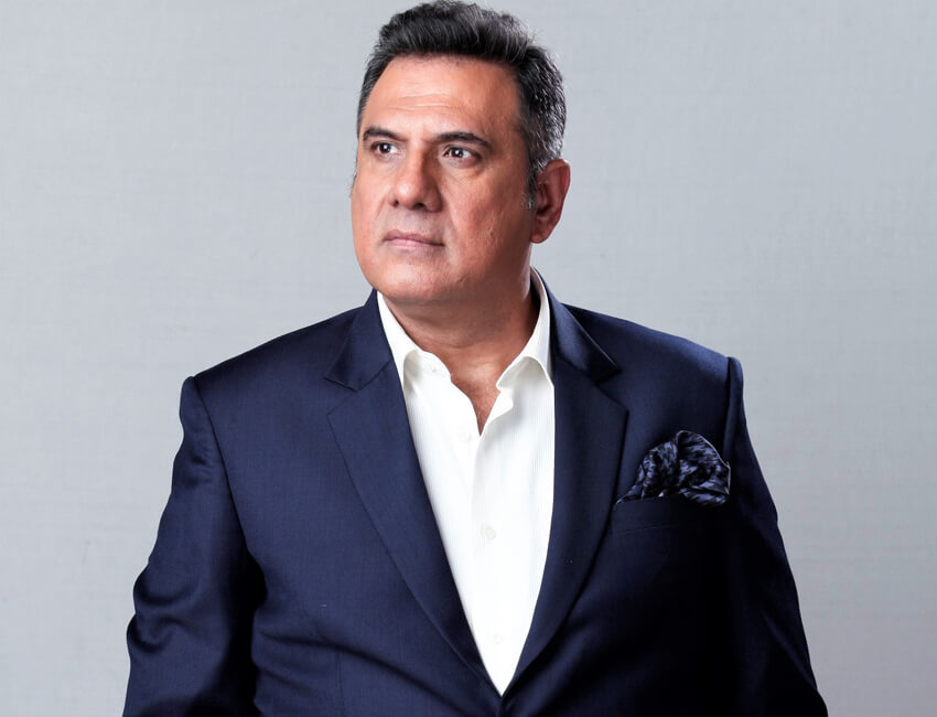 Mr. Boman Irani receives Most Versatile Actor award at Dadasaheb Phalke International Film Festival
