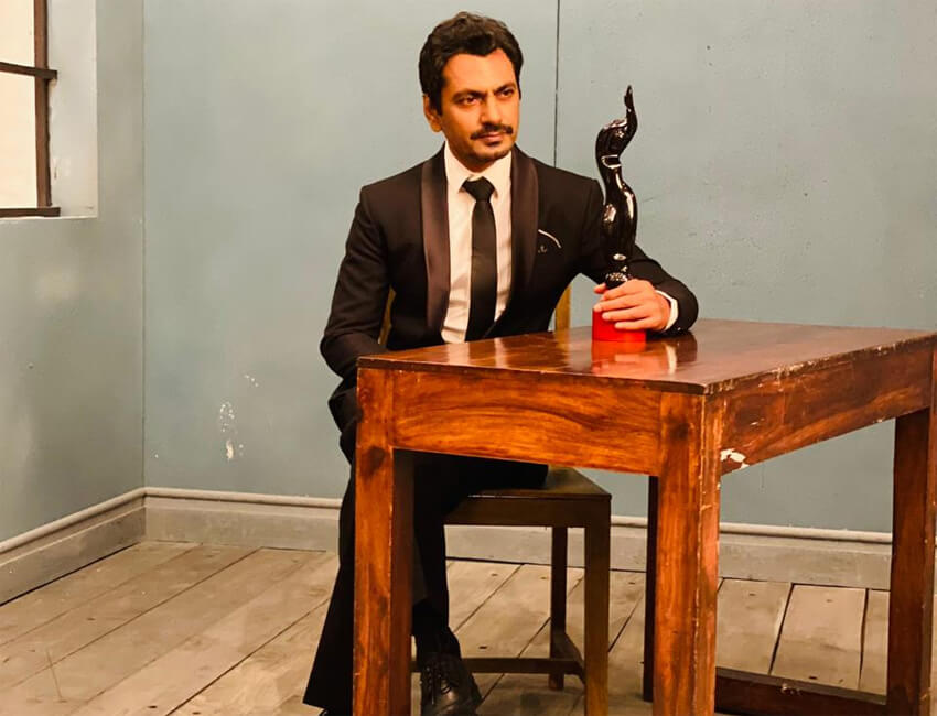 Before the year wraps up, Nawazuddin Siddiqui bags another accolade; wins the Best Actor Award!