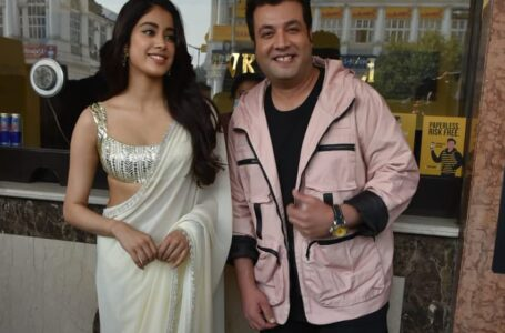 Jahnvi Kapoor and Varun Sharma Spotted In capital For Roohi