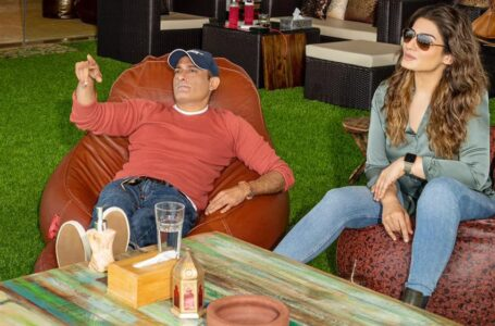 Viewers could be in for a visual treat when two stars like Akshaye Khanna and Raveena Tandon clash in Vijay Gutte's 'Legacy'.