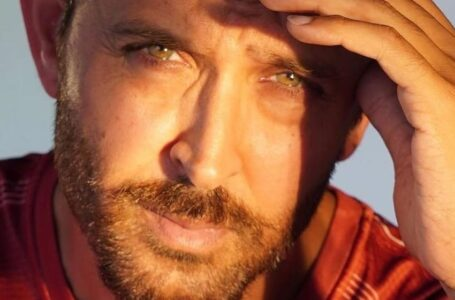 Hrithik Roshan thanks Twinkle Khanna for giving him an opportunity to help, Here's what he did